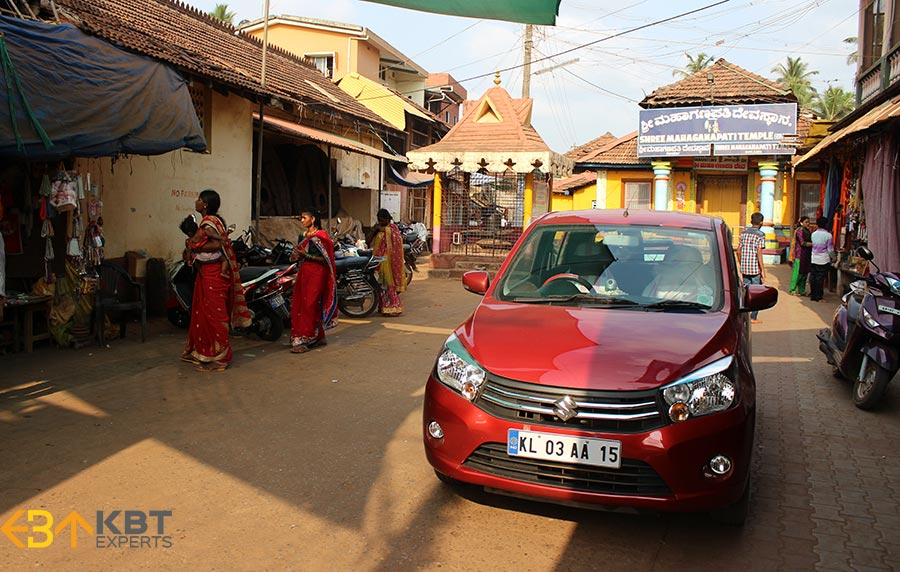 my-car-in-front-of-mahaganapati-temple-goa