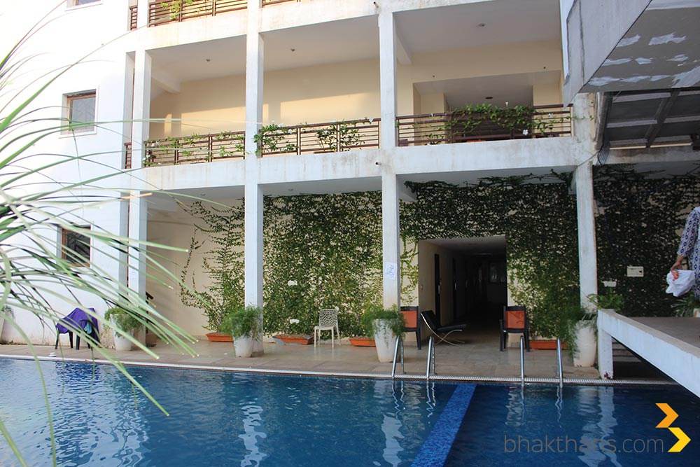 Purple resorts pondicherry swimming pool technology travel blog from india for Hotels with swimming pool in pondicherry